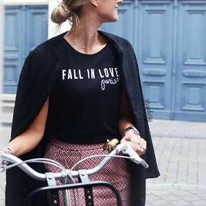 Graphic T-Shirt FALL IN LOVE