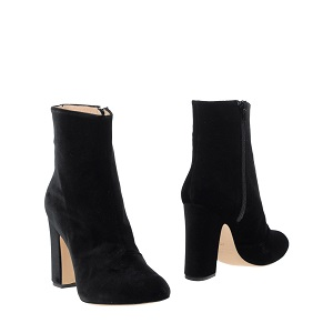 Black ankle boot 8