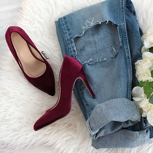 VELVET WINE PUMPS