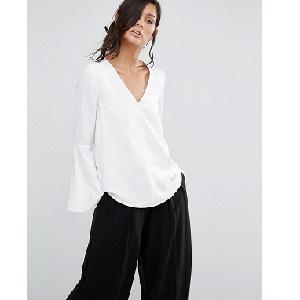 Λευκό πουκάμισο With Fluted Sleeves