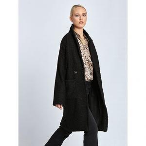 Μακρύ μπουκλέ παλτό