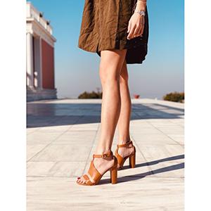 Carmela Leather Like Πέδιλο, Καμηλό